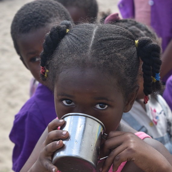 Just € 2 guarantees a year of water for a school child in Madagascar